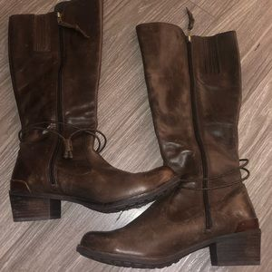UGG Leather Booties - NEVER WORN (9)